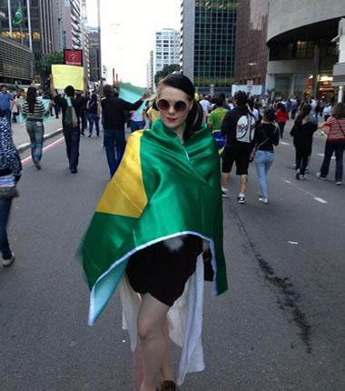 Kate Nash draped in a Brazilian flag: a cultural faux-pas?